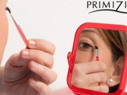 La magie s'opère avec les outils de maquillage!