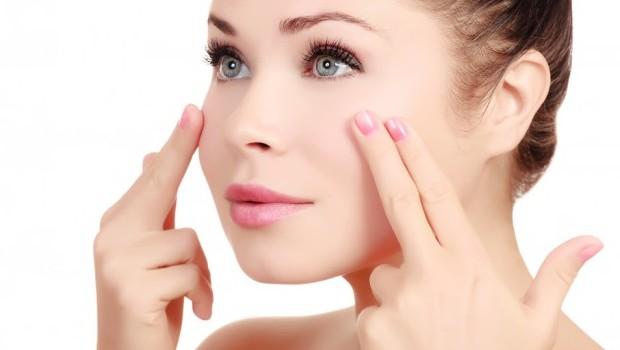 Faites tenir votre maquillage plus longtemps : ester lauder.