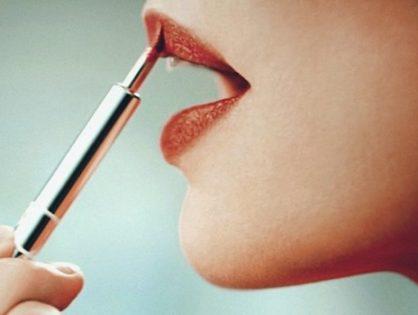 Bien appliquer son rouge à lèvres pour les fêtes