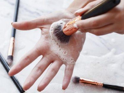 Nettoyer ses pinceaux de maquillage : pourquoi et comment ?